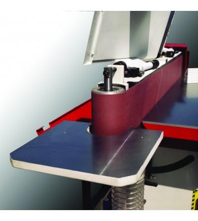 Il pianetto consente la lavorazione di pezzi curvi contro la puleggia laterale.